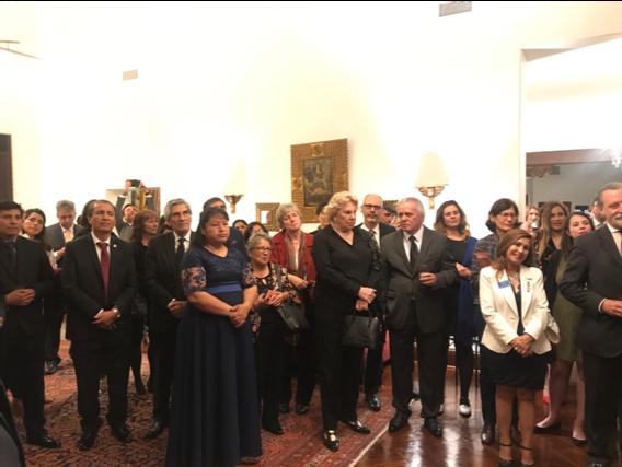 Partenaires institutionnels et équipes du Samusocial Peru réunis le 28 novembre 2019.