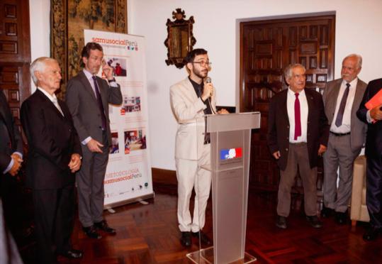 De g. à d. : Rafael Plaza Magot, président du groupe SFB; S.E. Antoine Grassin; Matthias Cougnaud; Xavier Emmanuelli et Christian Bouteille, associé d'honneur du CA du SSP.
